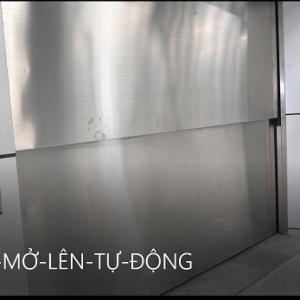 thang hàng cửa 2 cánh mở lên tự động